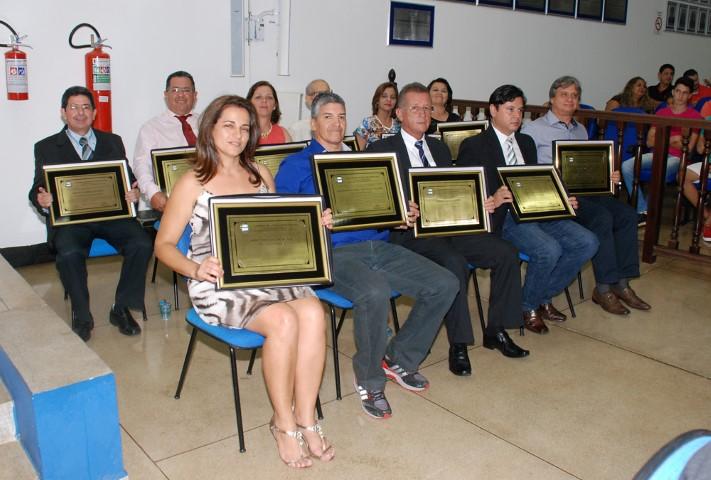 Sessão Solene entregou títulos à personalidades buritamenses